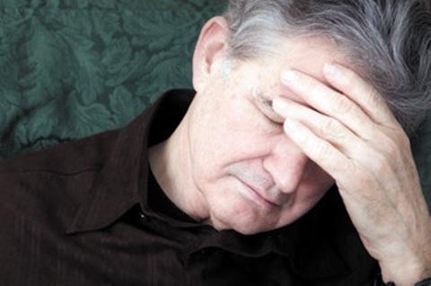 Nguy cơ mắc bệnh trĩ ở người cao tuổi gây khó khăn