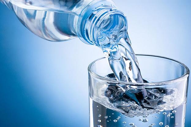 Người tập thể hình cần uống bao nhiêu nước cho 1 ngày