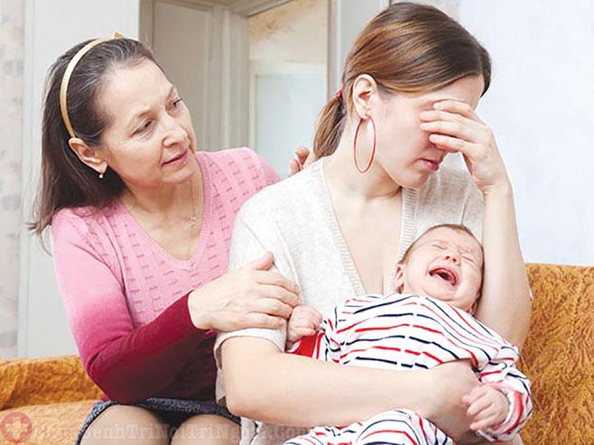 Bệnh trĩ sau sinh khiến các mẹ cảm thấy đau đớn vùng hậu môn