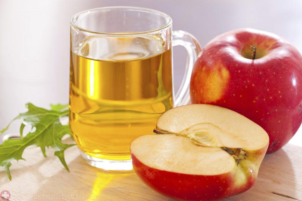 Dùng nước giấm táo rửa trực tiếp búi trĩ